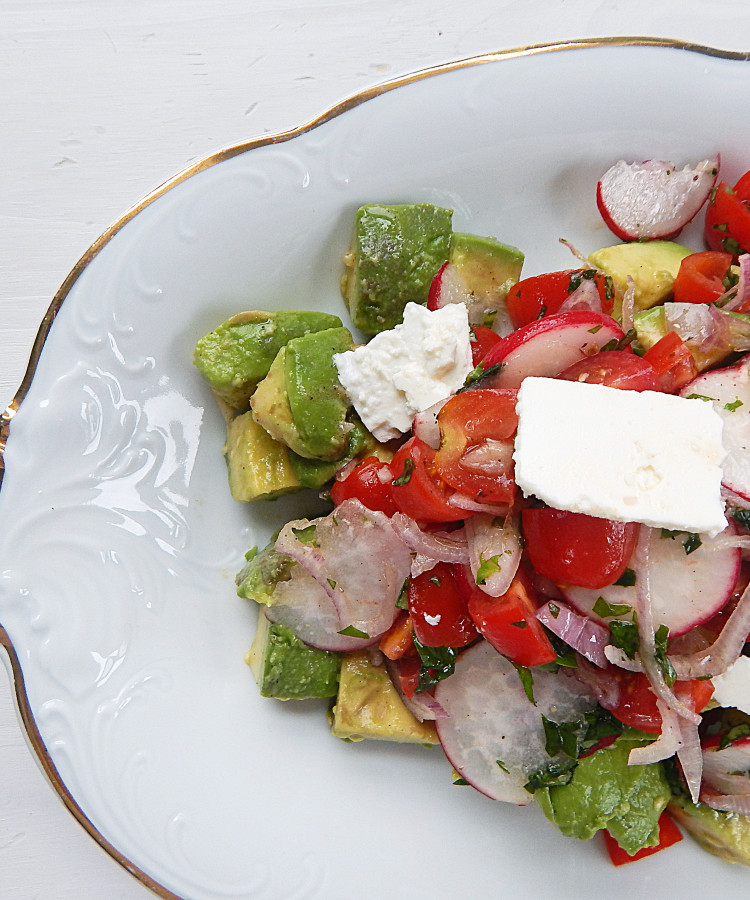 AVOCADO SALAD WITH TOMATO AND RADISH FOR TWO